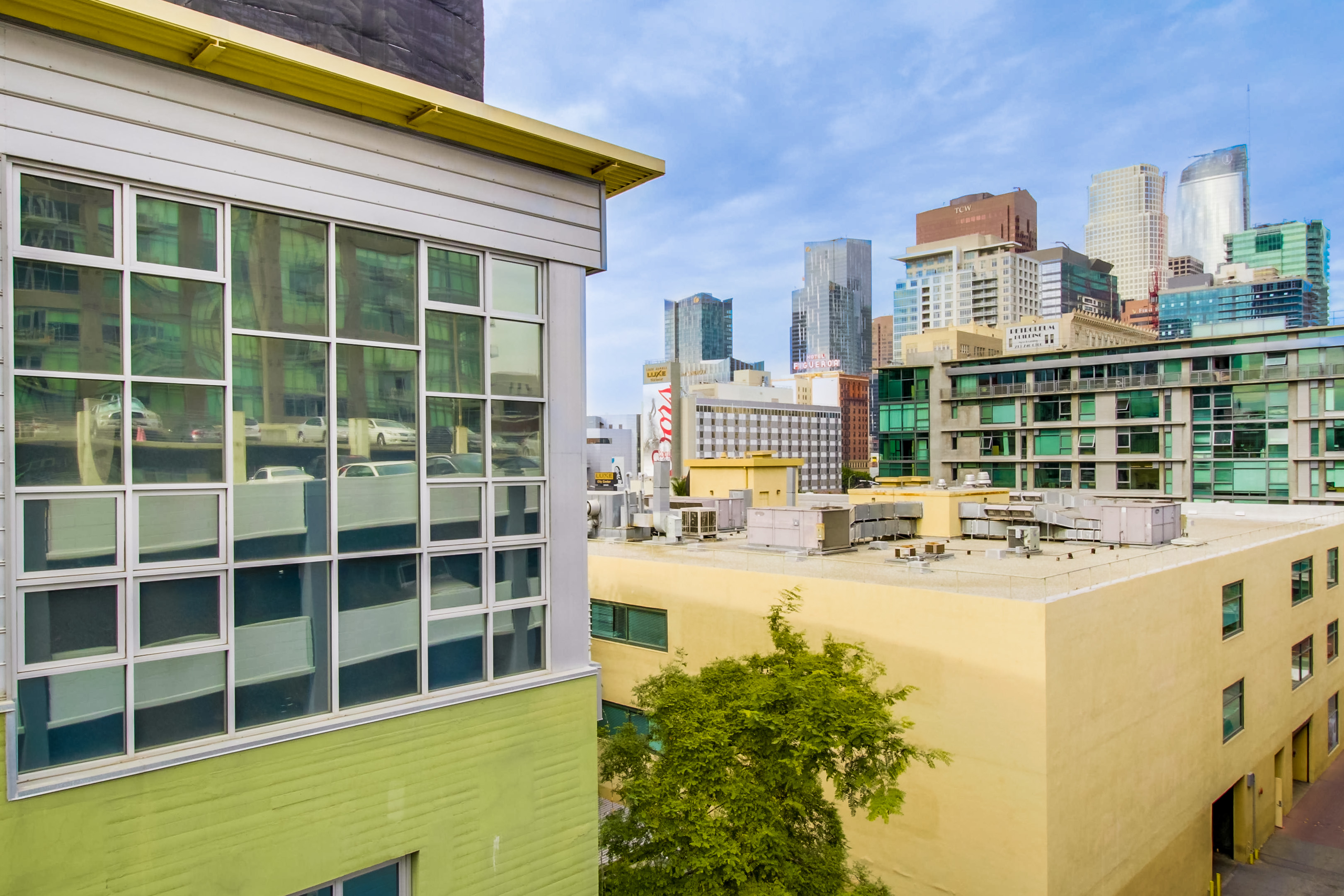 1155-s-grand-ave-404-032